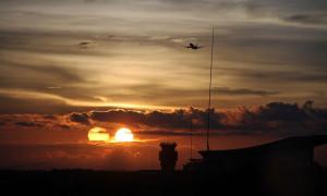 Kettős naplementét fotóztak Indonéziában!