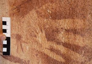 8000 éves, nem emberi kézlenyomatokat találtak egy barlang falán!