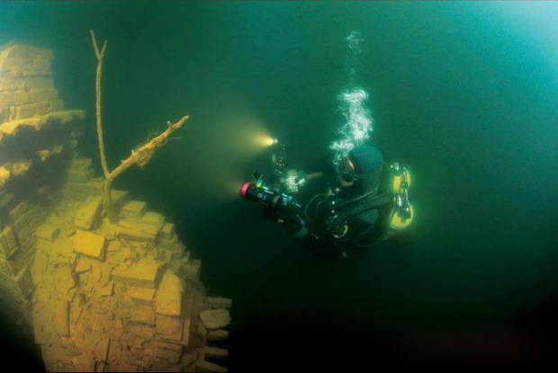 asp_620_International-archeologists-said-the-submerged-Lion-City-was-an-underwater-time-capsule.jpg