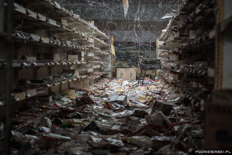 photos-fukushima-exclusion-zone-podniesinski-50.jpg