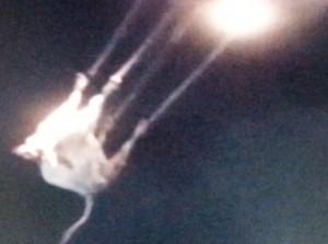 Elképesztő videó: Így rabolják el a földönkívüliek a teheneket!