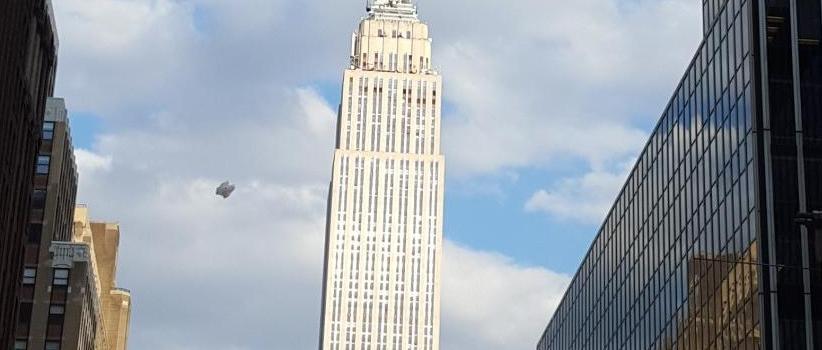 ufo-empire-state-building-new-york-2