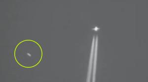 Ufó repült be egy chemtrail videóba Ausztrália felett