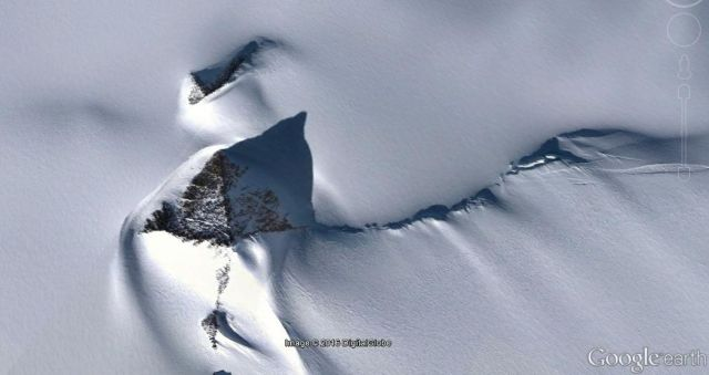 antarctica-pyramid-google-earth.jpg