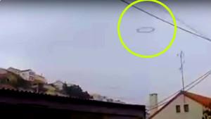 Ufógyűrűt videózott le autójából egy portugál