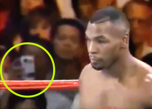 Kamerás mobillal fotózott egy időutazó Mike Tyson '95-ös meccsén!