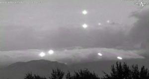 UFO-rajzás a mexikói Popocatépetl vulkán kitörése közben!