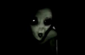 Hátborzongató videó terjed a neten az elfogott földönkívüliről!