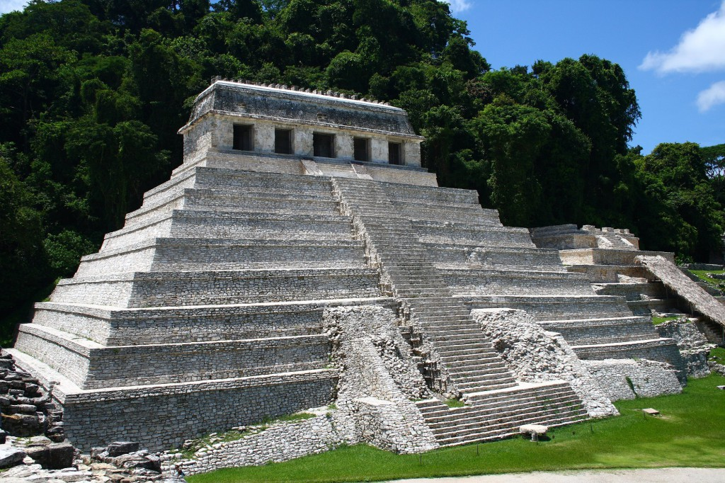 Palenque_temple_1.jpg