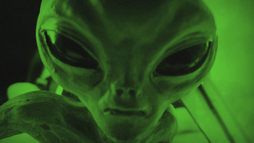 49033unilad-imageoptim-alienweb