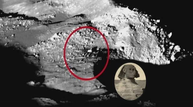 sphinx-moon