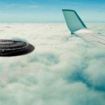 UFO szállt a 9 éves kislány repülőn készült videójába