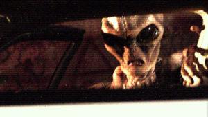 Az idegenek felfigyeltek a lézerrel töketlenkedő UFO-vadászra és…