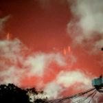 """""""Vérvörösen ragyogott az ég az éjszaka és izzó fények repkedtek rajta…"""" – fotók"""