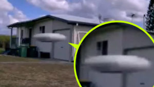 UFO-t rögzített egy mozgásérzékelős biztonsági kamera