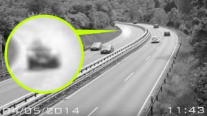 Az utópályáról, a kocsijával együtt raboltak el egy embert a földönkívüliek