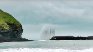 Gigászi UFO-anyahajó csapódott a tengerbe Skócia partjainál