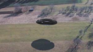 Helikopterrel cserkészték be a föld felett portyázó repülő csészealjat