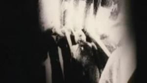 Kiszivárgott 1947-es roswelli filmtekercs egy halott földönkívüliről?