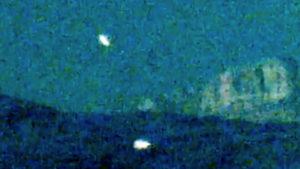 Háromszög alakú UFO-kat videóztak a nevadai Red Rock kanyonban