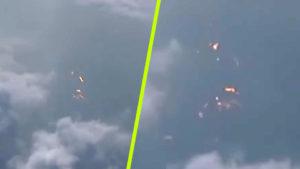 Rejtélyes fényeket videóztak egy Kína felett szálló repülőgép ablakából…