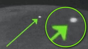 UFO-k a Holdon? Az űrügynökség rejtélyes villanásokat észlelt a Hold sötét oldalán