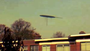 Összeesküvés-őrület: rémisztő alakú UFO lebegett az égen Hollandia felett